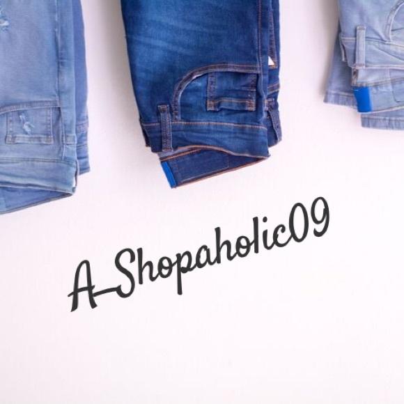 a_shopaholic09